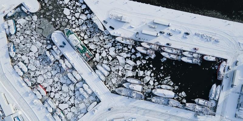 Port w Ustce, widok z drona, Ustka zimą